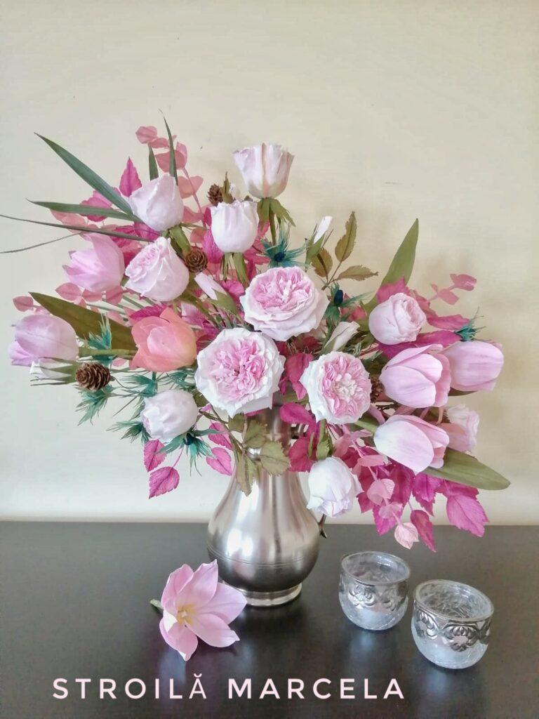 aranjament floral asimetric flori din hartie
